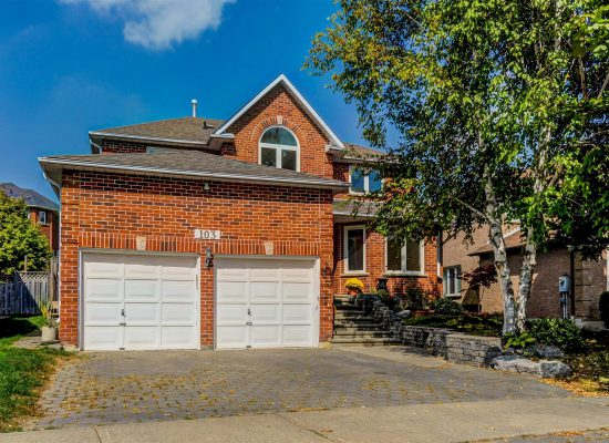 103 Topham Cres, Richmond Hill
