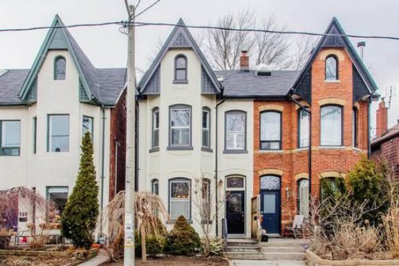 Toronto Riverdale semi goes for more than $250,000 over asking price
